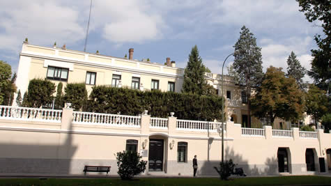 Faculty research ie business school for Business school madrid