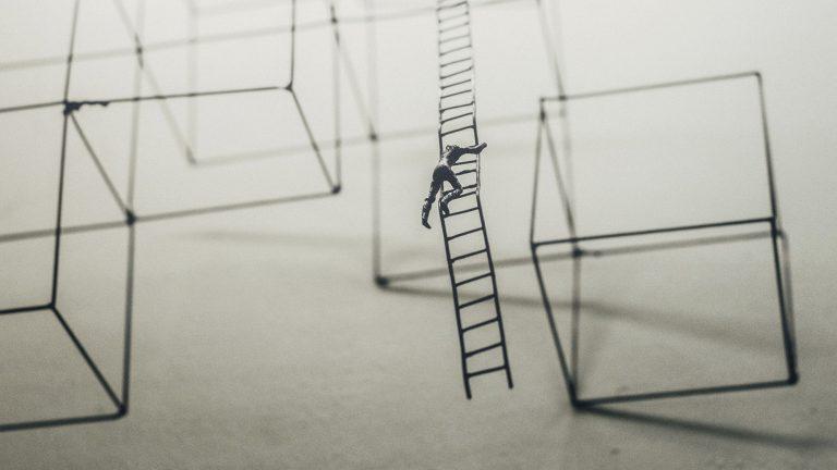 La gestion del estres en el liderazgo 2000x1131